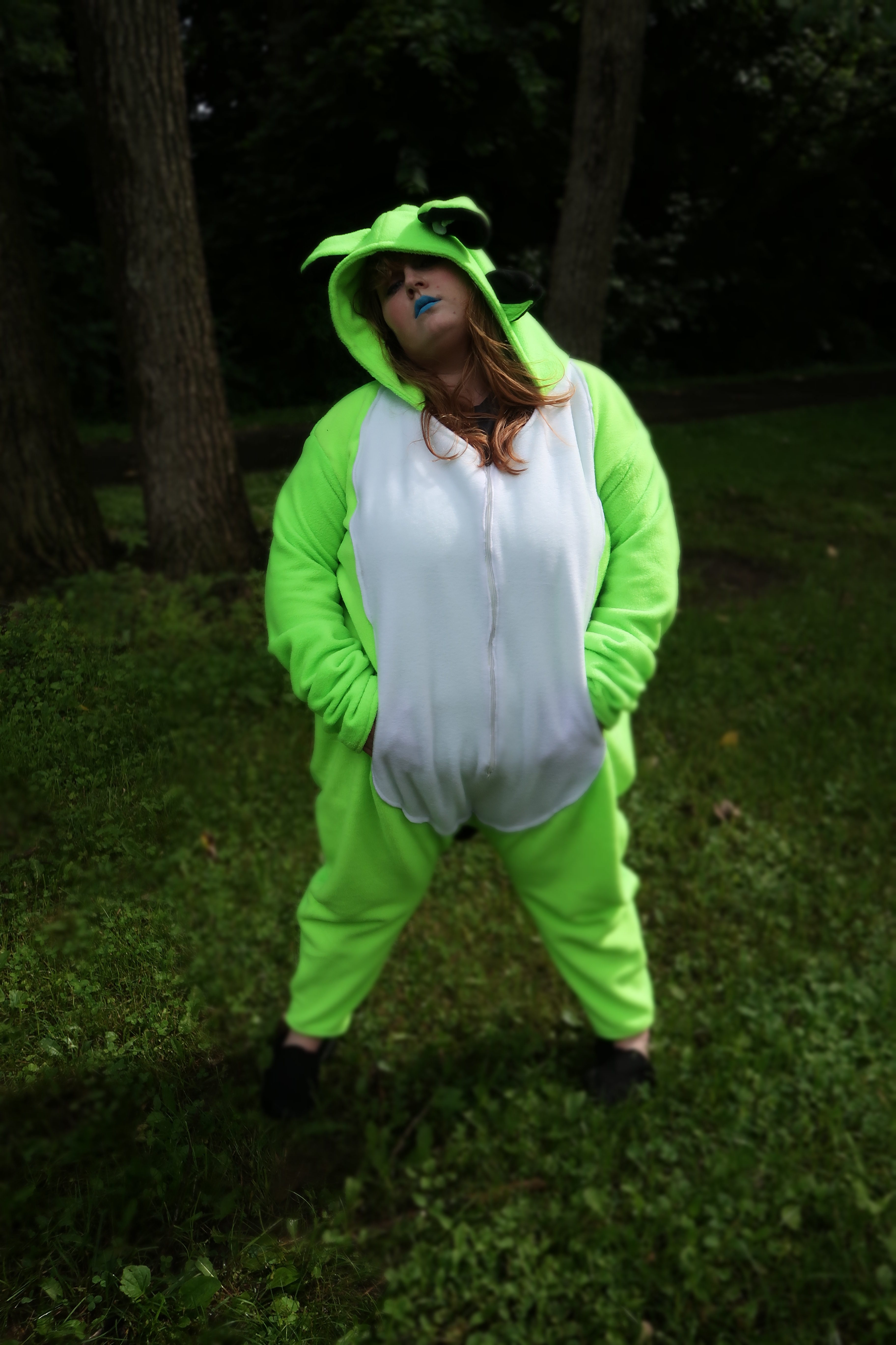 obletop-promotional-phtography-kigu-full-body-front-by-connor-goodwolf