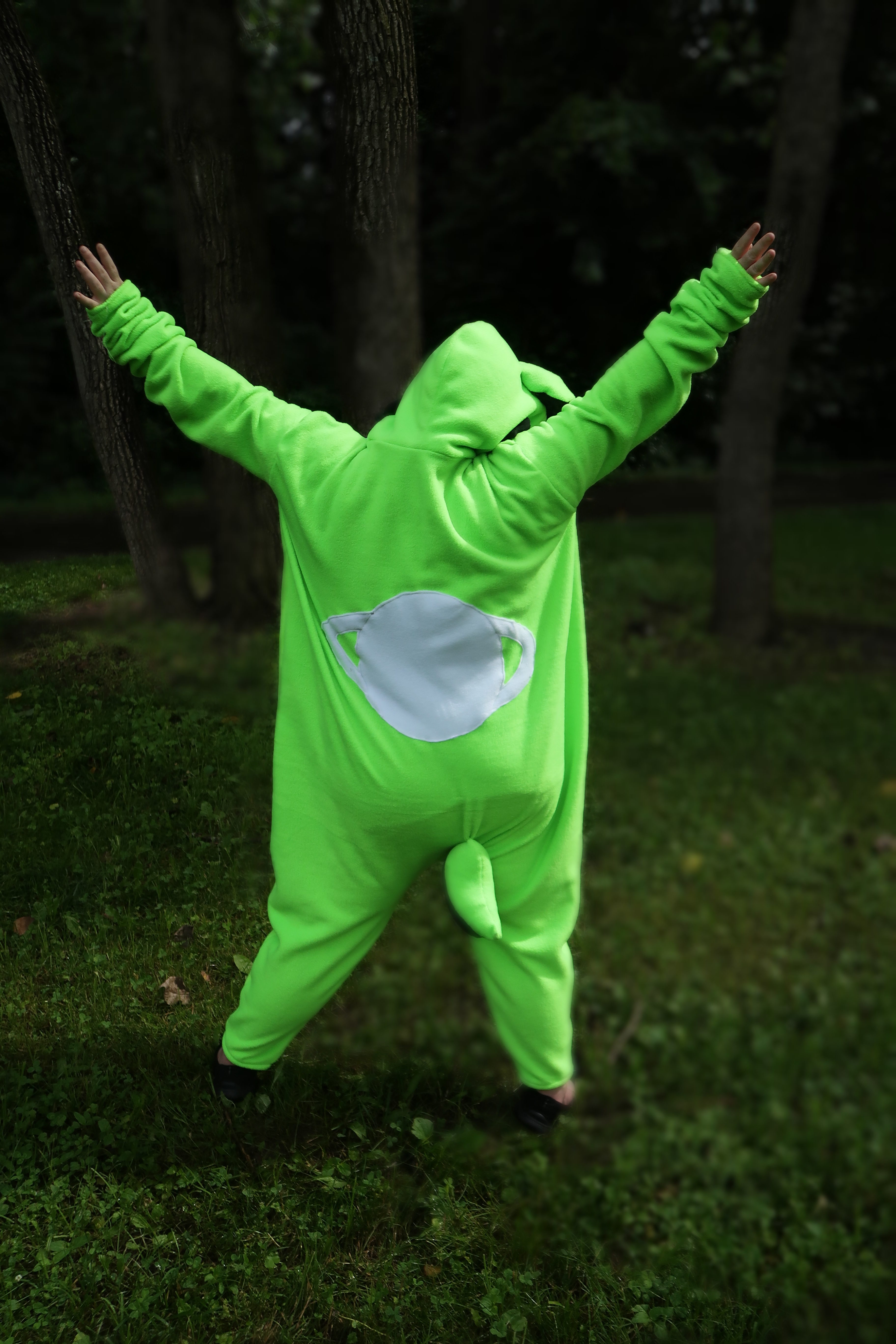 obletop-promotional-phtography-kigu-full-body-back-by-connor-goodwolf